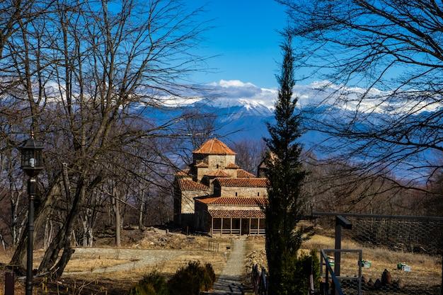 Słynny gruziński punkt orientacyjny dzveli lub old shuamta