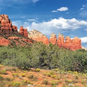 Słynny krajobraz pustyni w pobliżu sedony