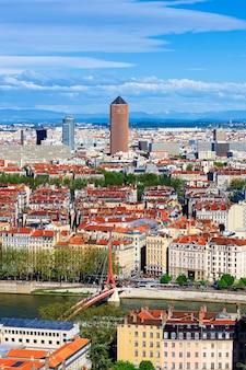 Słynny widok z lotu ptaka miasta lyon, francja