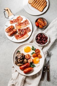 Smaczna kompozycja posiłków śniadaniowych