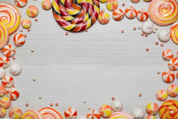 Smaczne, apetyczne akcesoria imprezowe wszystkiego najlepszego z okazji urodzin sweet treat swirl candy lollypop