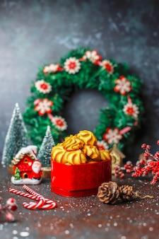 Smaczne domowe ciasteczka świąteczne.