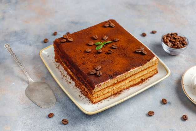 Smaczne domowe ciasto tiramisu.