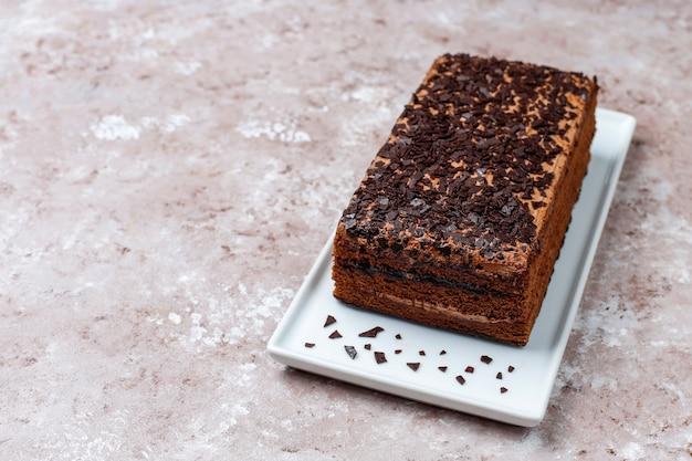 Smaczne domowe truflowe ciasto czekoladowe z kawą