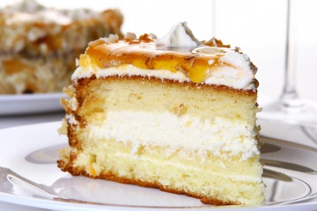 Smaczne i słodkie ciasto deserowe
