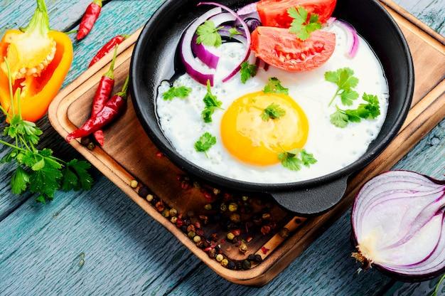 Smaczne jajko sadzone