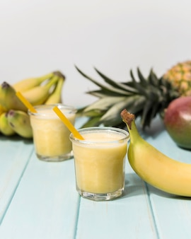 Smaczny bananowy koktajl