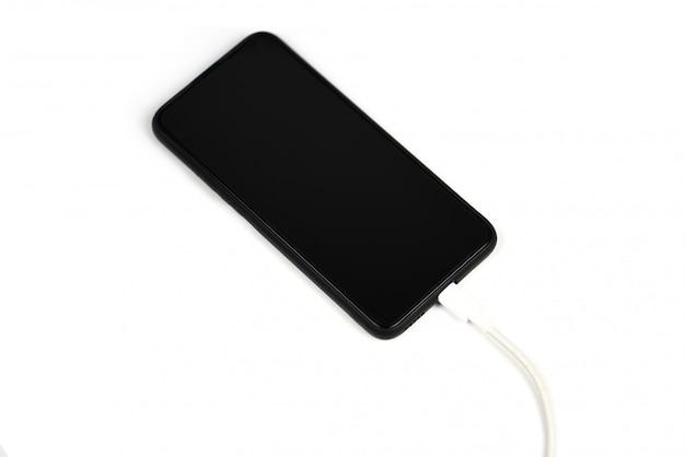 Smartfon nowy szybki port usb type-c w telefonie komórkowym i kabel usb typu c ładowanie telefonu technologia szybkiego ładowania