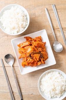 Smażona wieprzowina z kimchi