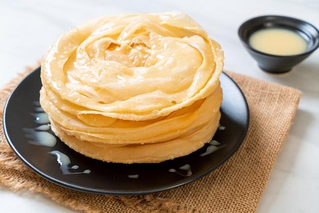 Smażone chrupiące ciasto roti