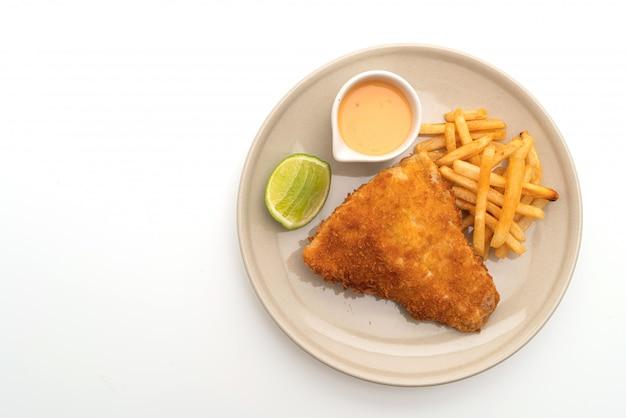 Smażone ryby i chipsy ziemniaczane
