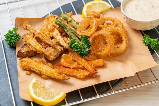 Smażone warzywa mieszane (cebula, marchewka, kukurydza, dynia) lub tempura - kuchnia wegetariańska