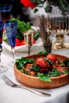 Smażone warzywa w talerzu