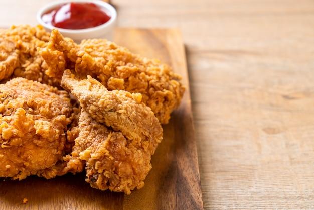 Smażony posiłek z kurczaka