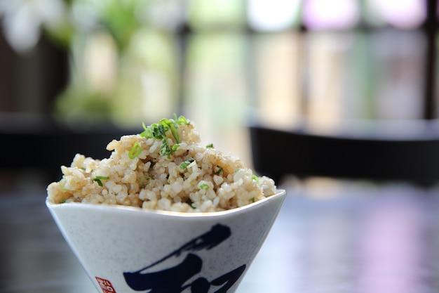 Smażony ryż po japońsku