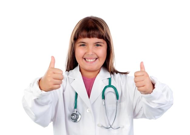 Śmieszna dziewczyna z doktorskim mundurem