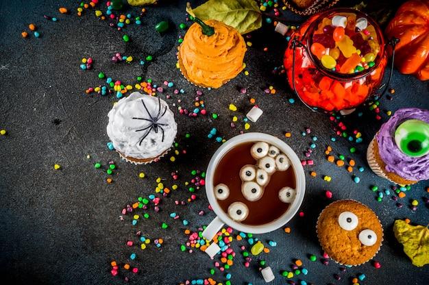 Śmieszne dzieci smakuje na halloween