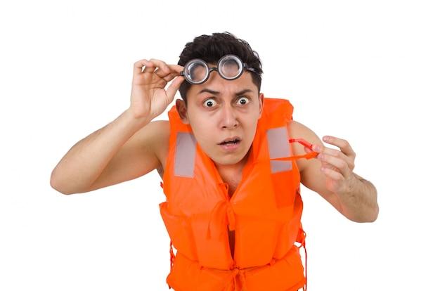 Śmieszny mężczyzna jest ubranym pomarańczową zbawczą kamizelkę
