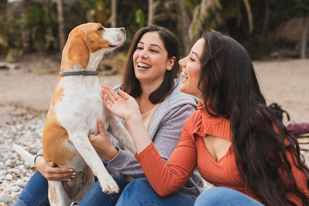 Smiley kobiet z psem
