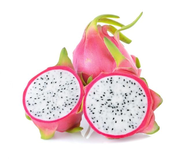 Smok owoc odizolowywająca na białym tle