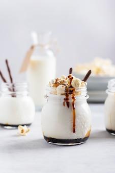 Smoothie z mlekiem i karmelem