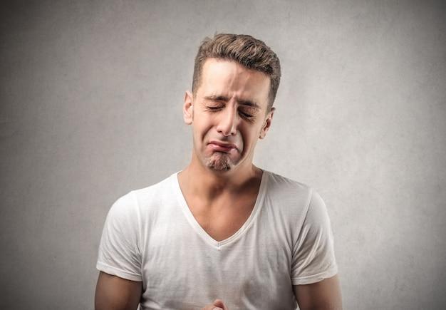 Smutny, płaczący człowieku