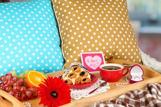 Śniadanie do łóżka w walentynki