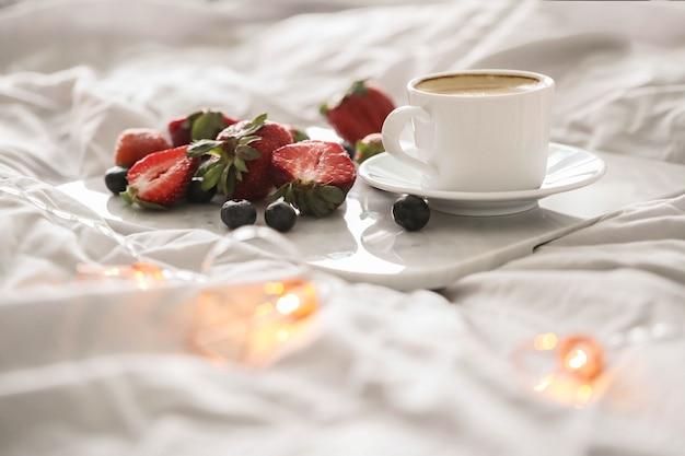 Śniadanie na łóżku