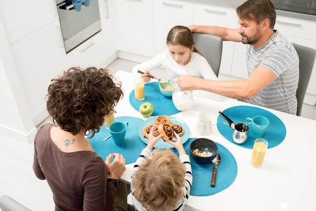 Śniadanie rodzinne