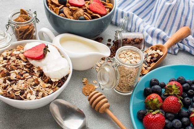 Śniadanie z płatków śniadaniowych