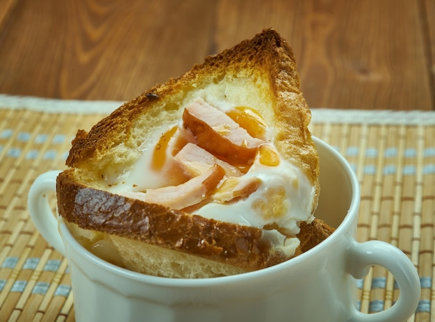 Śniadaniowe kubki na jajka