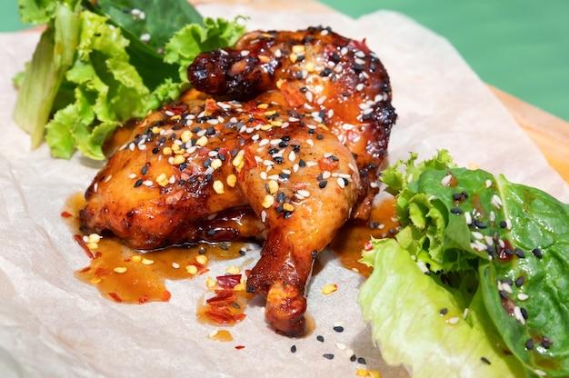 Soczyste ćwiartki kurczaka bbq