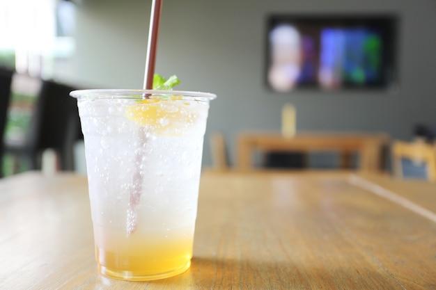 Soda brzoskwiniowa