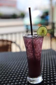 Sok winogronowy z sodą cytrynową