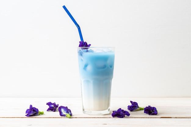 Sok z grochu motylkowego z mlekiem