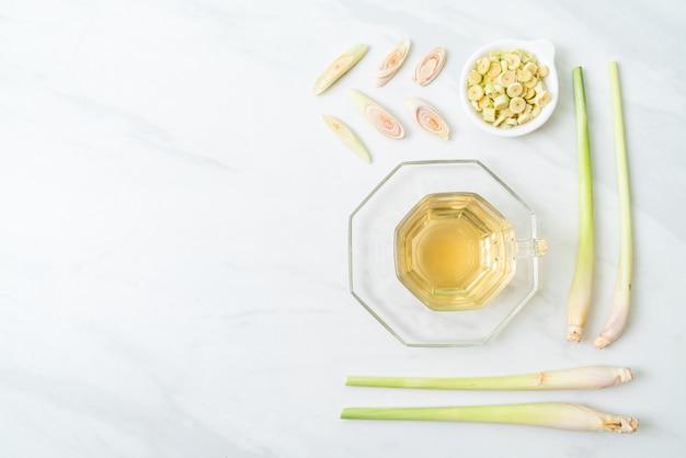 Sok z trawy cytrynowej