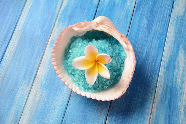 Sól z morza martwego do kąpieli spa i pielęgnacja ciała