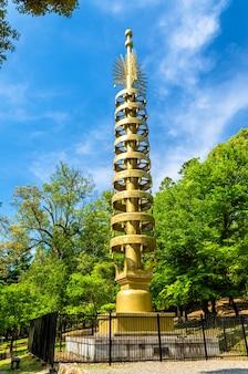 Sorin, pionowe zwieńczenie szybu pagody - świątynia todai-ji, nara, japonia