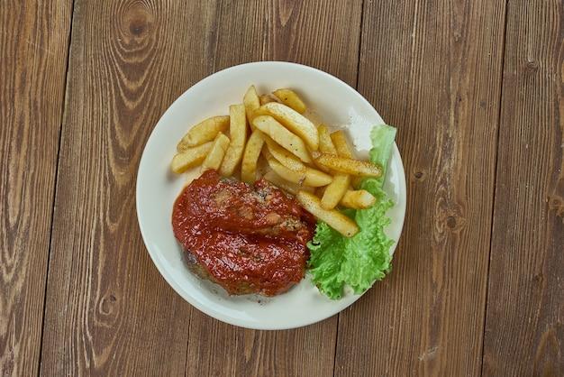 Soutzoukakia smyrneika klopsiki greckie w sosie pomidorowym