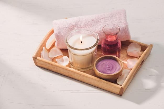 Spa i aromaterapia kwiat róży i olejek eteryczny