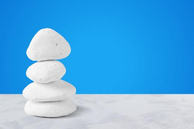 Spa kamienie na stole