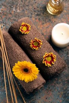 Spa martwa natura z ręcznikami