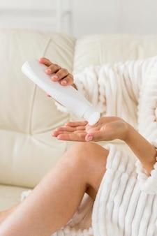 Spa w domu, wylewanie koncepcji mleka do ciała