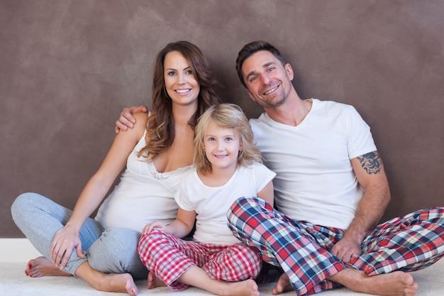 Spędzanie wolnego poranka z rodziną