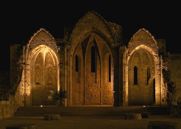 Spiczasty kościół virgin gothic brama łuki