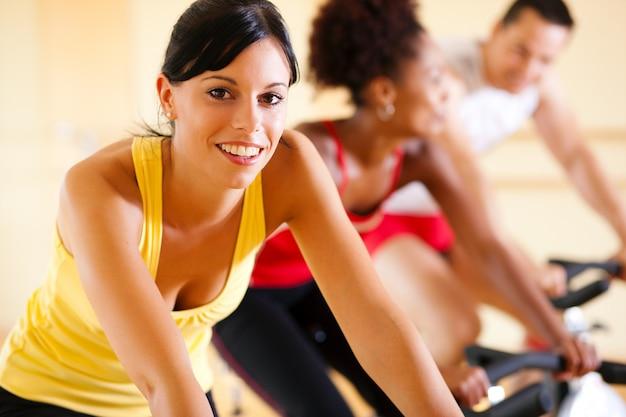 Spinning na siłowni