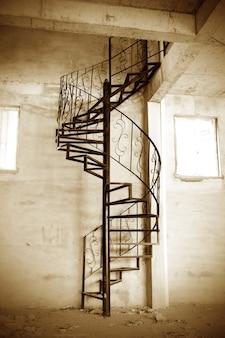 Spiralne schody