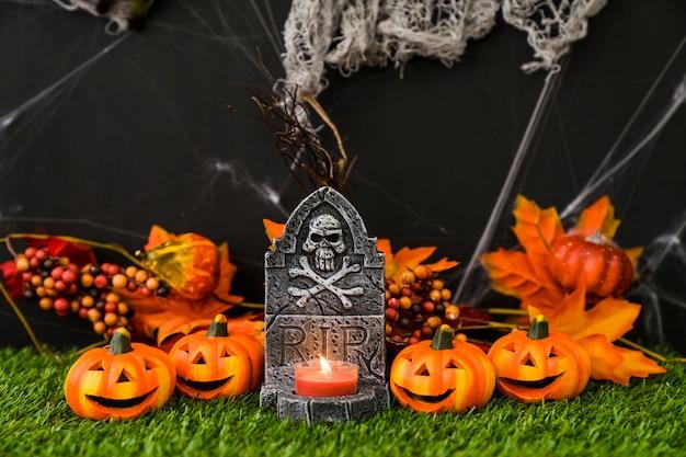 Spooky halloween dekoracji cmentarz