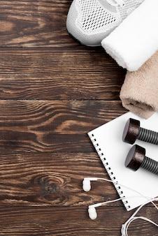 Sporta wyposażenie na drewnianym tle