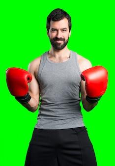 Sportman z rękawiczek bokserskich